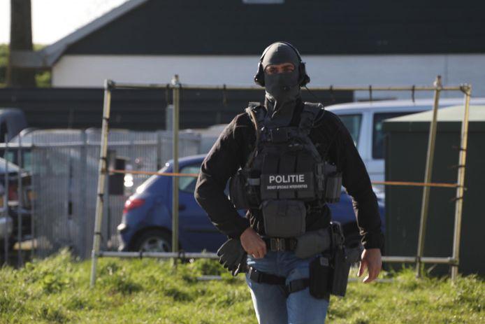 Leden van het arrestatieteam van de politie waren ook aanwezig in Megen