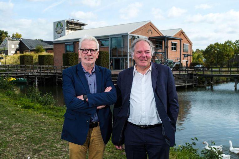 Jan De Haes (gedeputeerde Recreatie) en Ludwig Caluwé (gedeputeerde Logistiek) stellen de energieplannen voor.