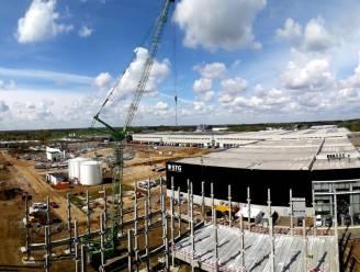 """Logistiek centrum, kantoren en parkeertoren van vijf verdiepingen op Atea-terreinen: """"Goed voor een oppervlakte van 45.000 vierkante meter vol zonnepannelen"""""""