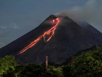 Indonesische vulkaan Merapi spuwt lava