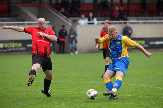 Internos scoort in duel met Alliance. De koploper uit Etten-Leur boekte tegen de Roosendalers begin deze maand de kleinste zege van het seizoen. Het werd 'slechts' 2-5.
