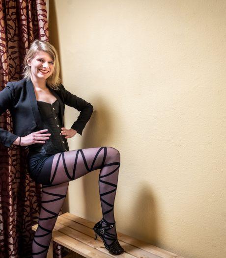 Veldhovense opent dansschool: 'Burlesque dansen bracht me extra zelfvertrouwen'