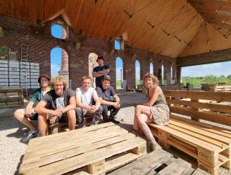 Bar Catala in Huizingen klaar voor opening: drie weekends lang activiteiten op erfgoedsite