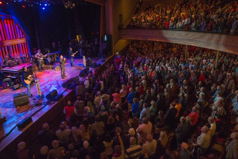 NASHVILLE, TN - NOVEMBER 11: Country music artist Lee Greenwood performs at The Grand Ole Opry at Ryman Auditorium on November 11, 2014 in Nashville, Tennessee. (Photo by Terry Wyatt/Getty Images) Beeld Getty Images