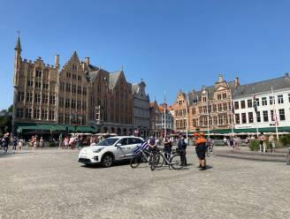 Politie laat sirene luiden op Markt in Brugge, omstaanders geven applaus