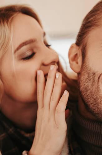 """Zo verleid je met 'liefdestaal', volgens liefdesexpert Leo Bormans: """"Grote epistels, kleine vleierijen, maakt niet uit, zolang je maar je hart vertaalt"""""""