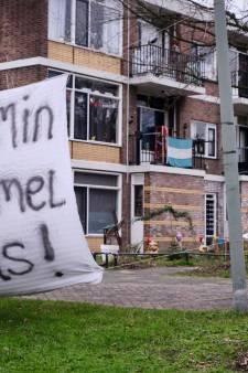 Tientallen bewoners leven tussen het vocht en de schimmelstippen. Worden de problemen nu eindelijk aangepakt?