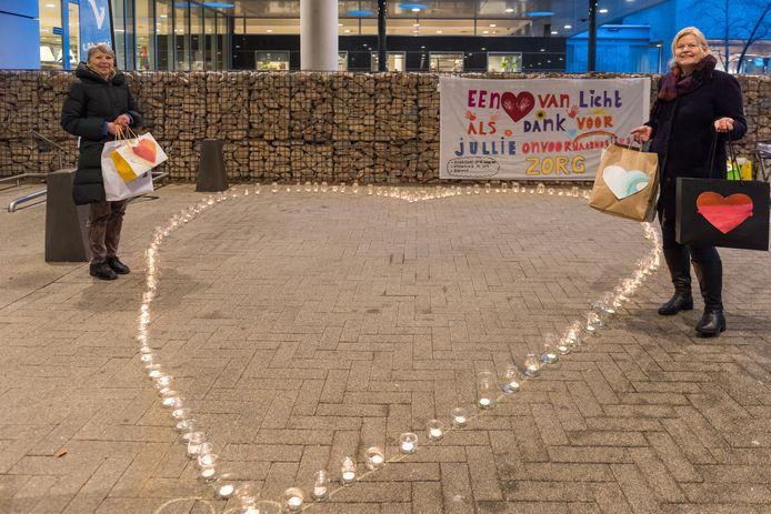 Tineke Foole en initiatiefneemster Dianne de Laat van de Stichting Ik Wil.