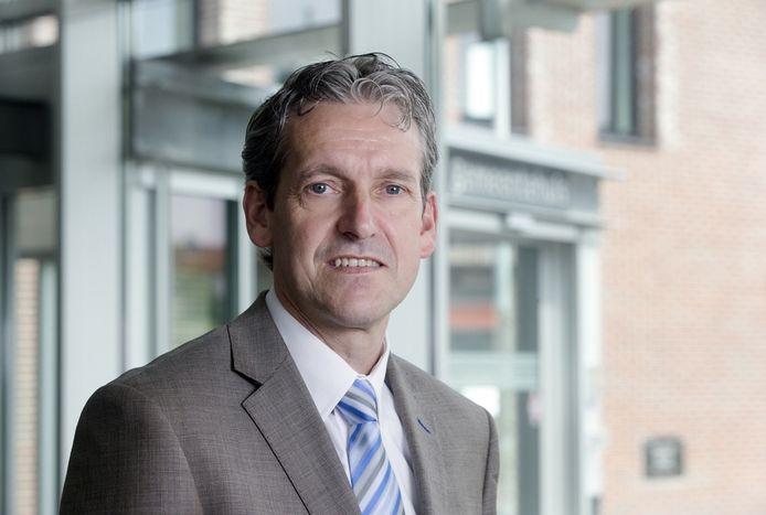 Burgemeester Hans van der Pas van Rhenen.
