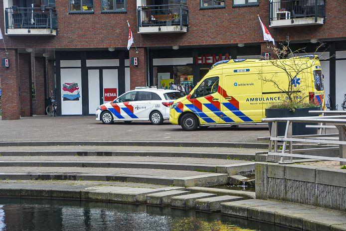 De hulpdiensten bij het Triasplein in Harderwijk.