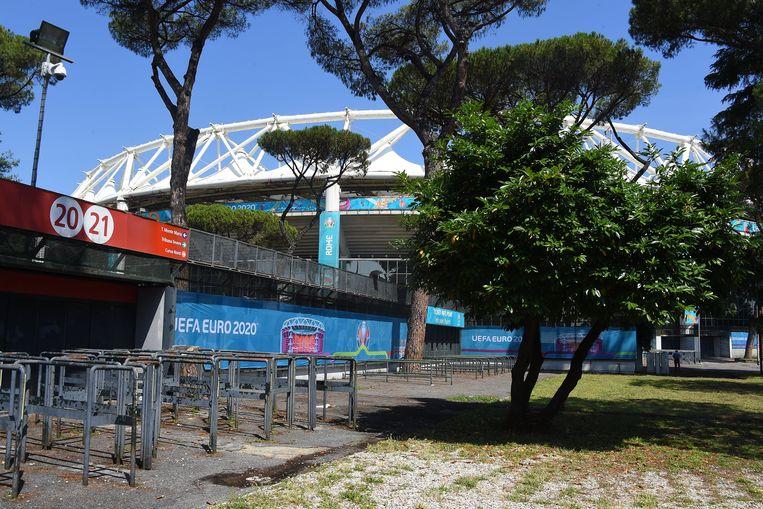 Stilte voor de storm. Vanavond zullen 16.000 toeschouwers de openingsmatch tussen Turkije en Italië bijwonen in het Stadio Olimpico in Rome. Beeld Photo News
