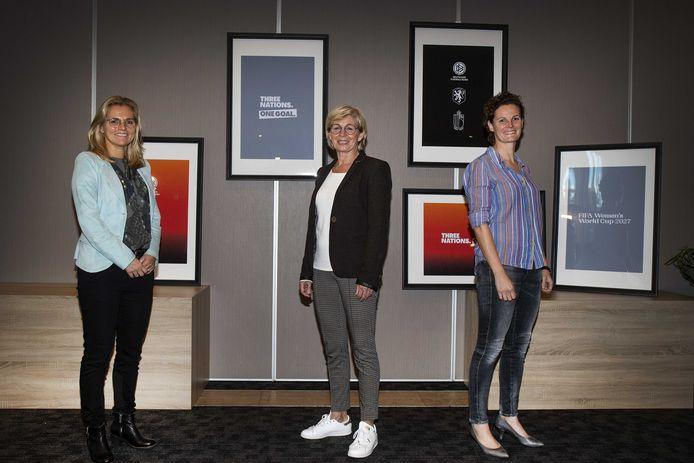 Sarina Wiegman, Silvia Neid (Duitsland) en Femke Maassen (België) zijn namens de deelnemende landen de gezichten van het gezamenlijk bid voor het WK 2027 vrouwenvoetbal.
