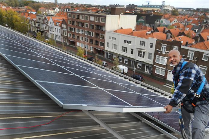 Kenneth Kalaykan van SolarBouw uit Vlissingen heeft ze geplaatst.
