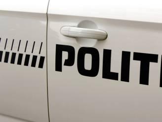 Oeps: man stapt met 1.000 joints in politiecombi