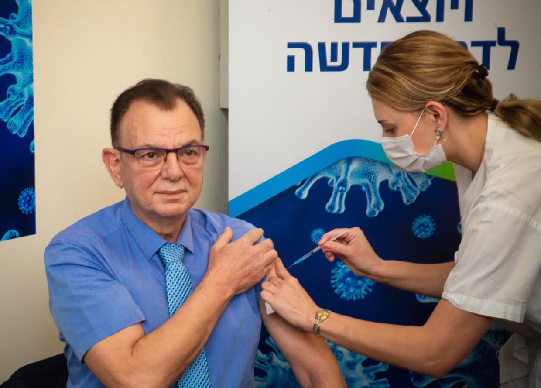 Vóór opkomst van de variant was het Pfizer-vaccin in Israël nog 94,3 procent effectief tegen besmetting. In juni was dat nog maar 64 procent. Beeld Anadolu Agency via Getty Images