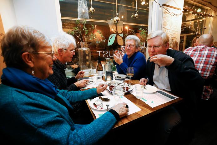 Restaurant De Kust op de FC Dondersstraat