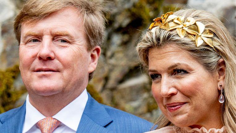 Koning Willem-Alexander en koningin Maxima tijdens de opening van een tentoonstelling op kasteel Vianden Beeld ANP