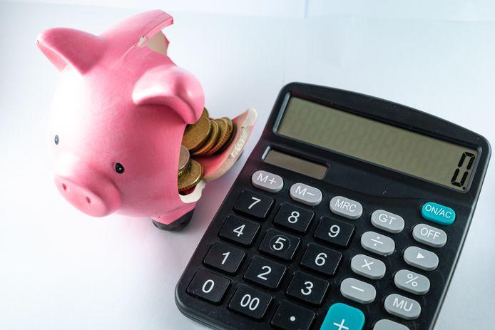 Inwoners van Middelburg en Vlissingen die een bijstandsuitkering krijgen, mogen voortaan per jaar maximaal 1200 euro aan giften (geld, boodschappen, kleren, spullen) houden. De gemeenteraden hebben de norm voor het giftenbeleid verhoogd van 600 naar 1200 euro.
