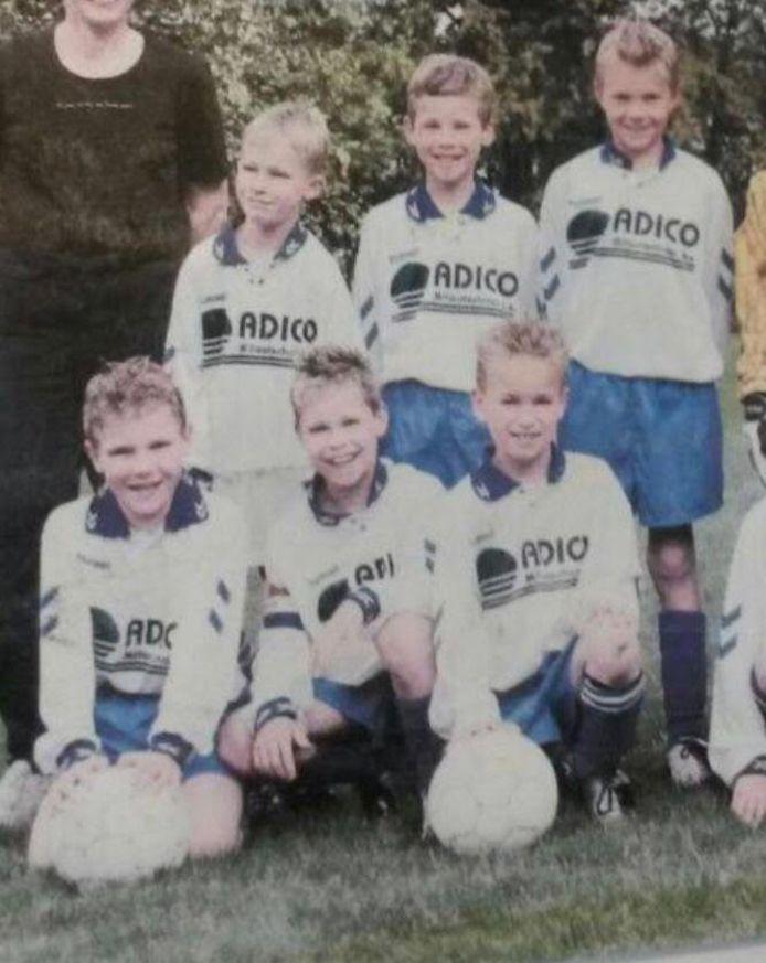 Arkel E1met de 9-jarigen Björn van Hoogdalem, Corné van Horik, Wesley Swets (boven v.l.n.r.), Lorenzo Agnoli, Sander Dekkers en Nick van der Stam (onder v.l.n.r.).