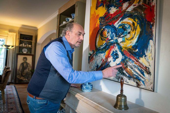 Kunsthandelaar en Huissenaar Peter van Os helpt de Nederlandse politie, Interpol en Europol kunstcriminaliteit tegen te gaan.