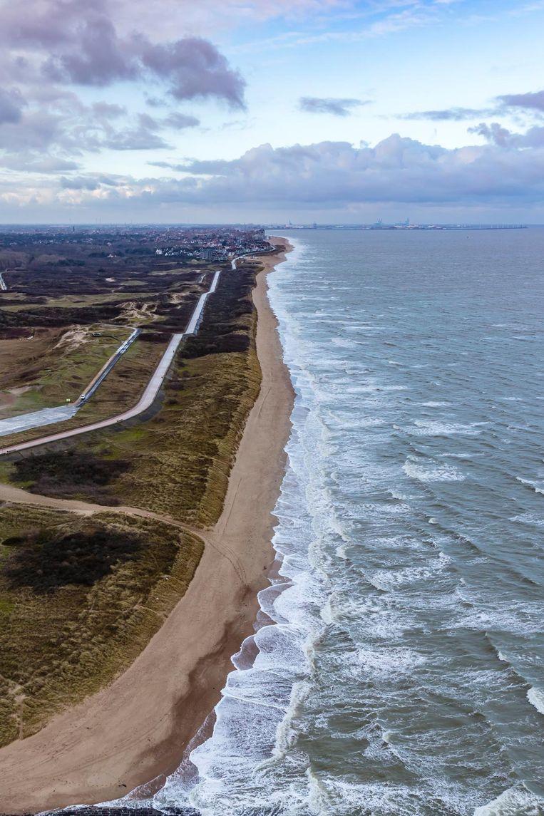 Het Zwin en de zee vanuit de lucht.