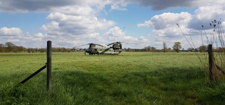 Gestrande Chinook-helikopter blijft onder strenge bewaking twee nachten staan