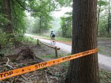 Criminelen dumpen tientallen liters drugsafval in het bos, wandelaar wordt onwel en slaat alarm