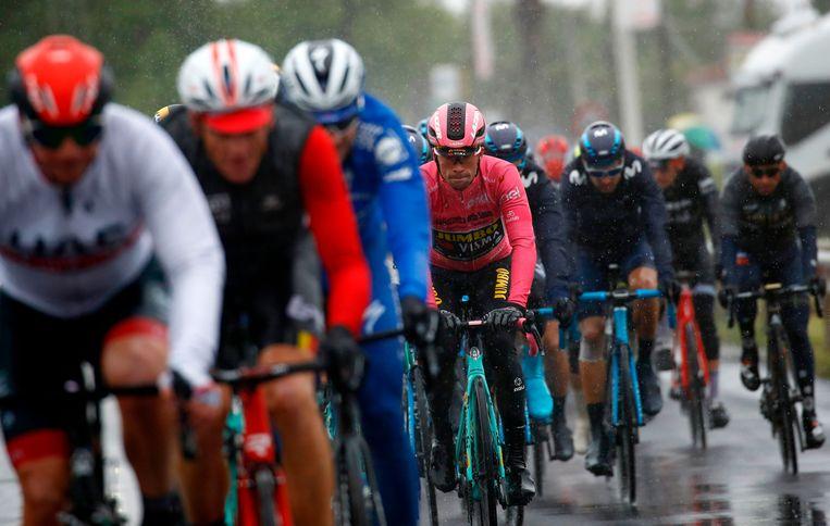 Primoz Roglic in het Giro-peloton.