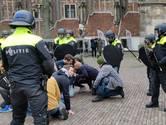 Figuranten bont en blauw na ME-oefening in binnenstad Deventer