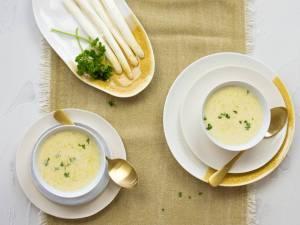 Wat Eten We Vandaag: Snelle witte aspergesoep met mierikswortel
