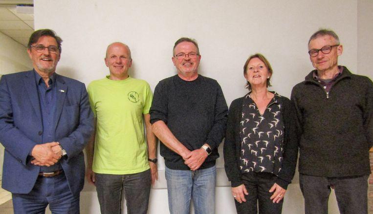 Schepen van Toerisme Franky De Graeve en Gert Hooftman van Ons Streven, samen met prijswinnaars René D'Hollander, Christ'l Van de Wouwer en Chris De Wachter.