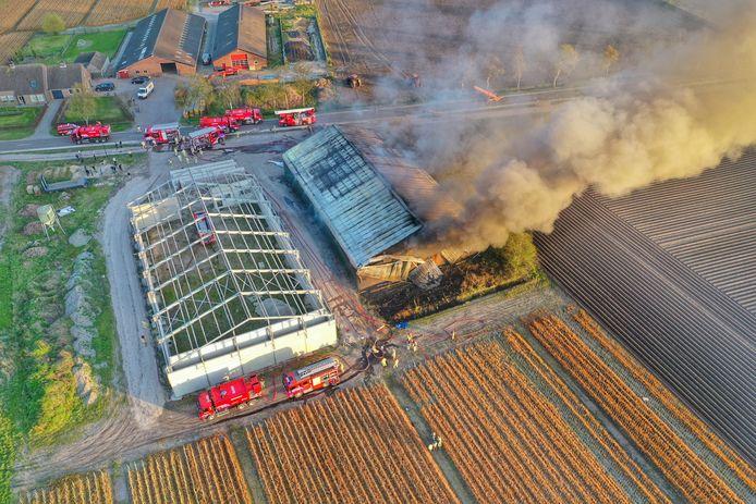 Grote brand in loods in Bergeijk.