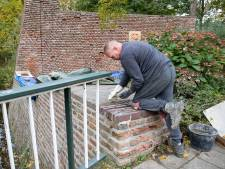 'Apk' voor Wageningse stadsmuur: 'Erfgoed moet je ook onderhouden'