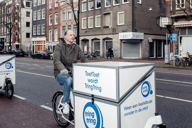 Marc Kruyswijk op de Rozengracht. 'Op een rechte weg gaat het allemaal min of meer geruisloos.' Beeld Jakob van Vliet