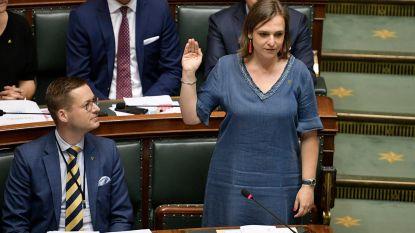 """Vlaams Belang-kopstuk Barbara Pas brengt 'Het Coronablunderboek' uit: """"Een minister die liegt, moet ontslag nemen"""""""