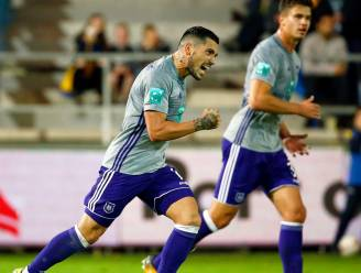 Herbeleef hoe Anderlecht op en over Waasland-Beveren ging in de tweede helft (1-2)
