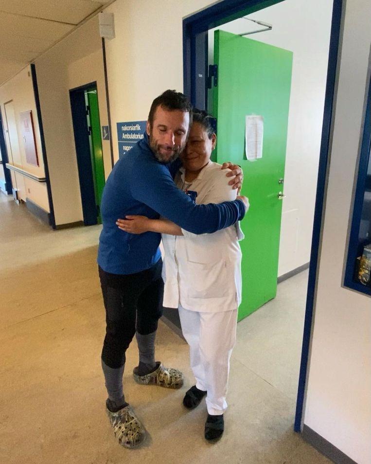Ook de dokter van Upernavik kreeg een knuffel. Beeld Instagram