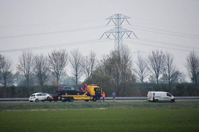 Bij een aanrijding op de A58 ter hoogte van Waarde, waren drie auto's betrokken.