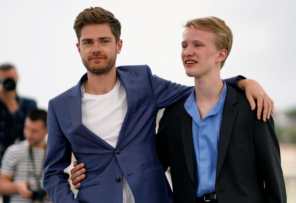 "Regisseur Lukas Dhont en acteur Victor Polster worden internationaal geprezen. ""Ze beleven hun grote doorbraak en zijn terecht de talk of the town in Cannes"", stelt The Hollywood Reporter."