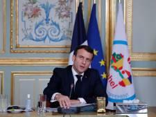 """Macron appelle à """"décapiter"""" les groupes jihadistes au Sahel"""