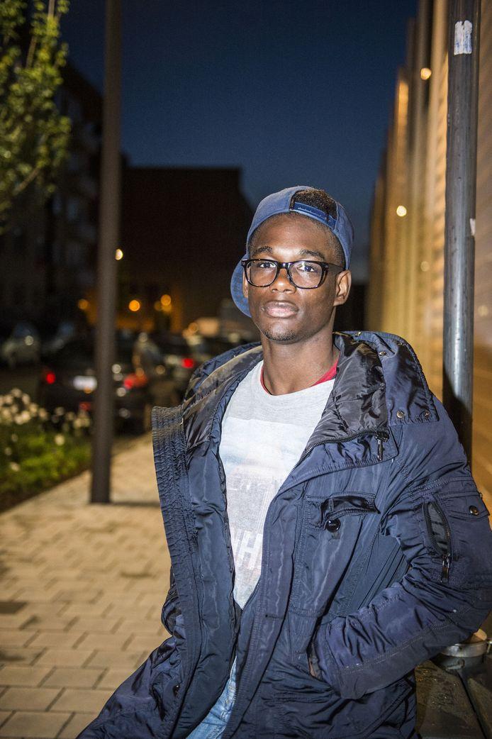 """Wildi Edame (19): """"Scheer niet iedereen over dezelfde kam."""""""