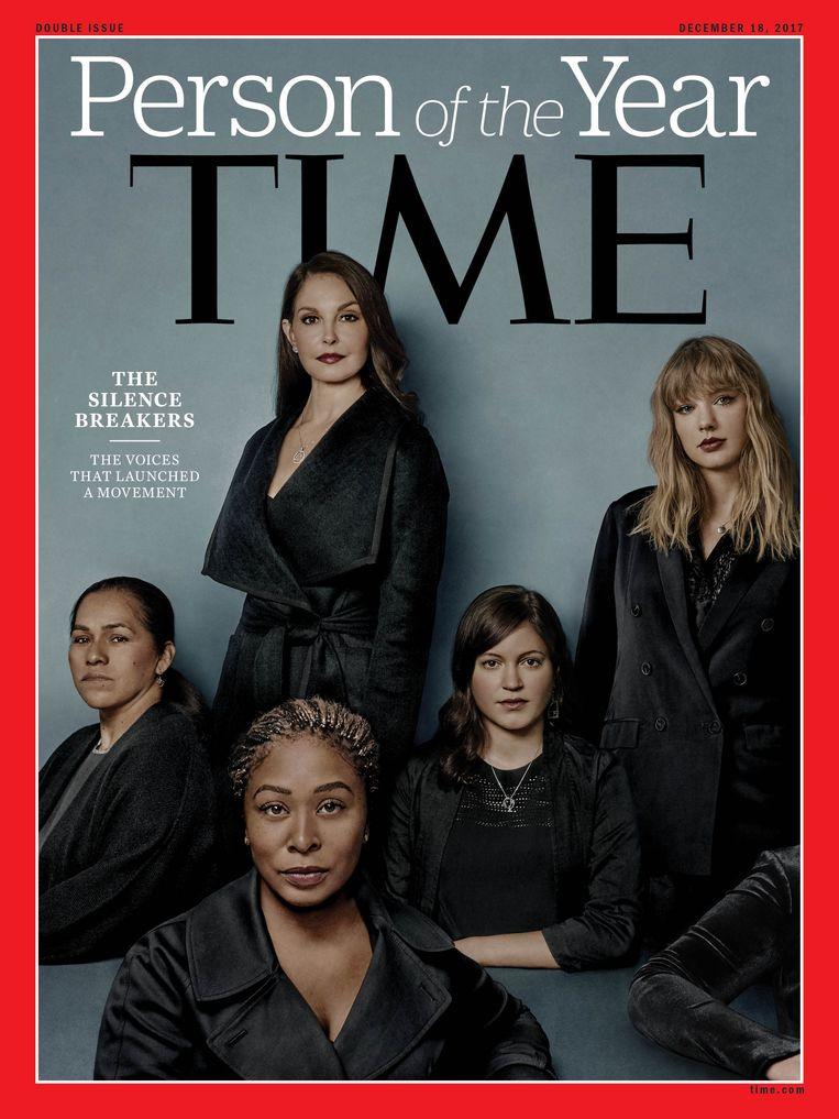 De cover van TIME, met de persoon van het jaar: #MeToo. Op de foto zijn enkele vrouwen te zien die met #MeToo seksuele intimidatie aan de kaak stelden.  Beeld AFP