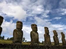 Paaseiland verhuurt stenen reus om wereldberoemde beelden te redden