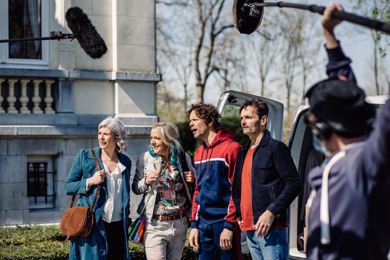 Machteld Timmermans (uiterst links op de foto.)