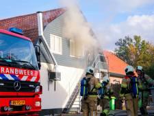 Grote brand in Soester café slaat over naar bovenwoning