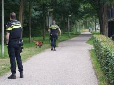 Politie zoekt in Wijhe naar kletsnatte winkeldief op slippers