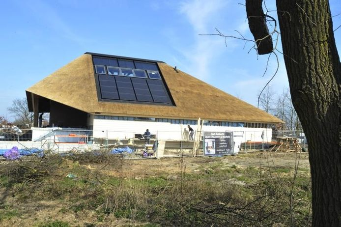 Een boerderij met zonnepanelen in Heukelom. foto Marie-Thérèse Kierkels/PVE