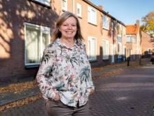 Het dorp van Marria van den Hoven: 'Die kippen zijn net een controledienst'