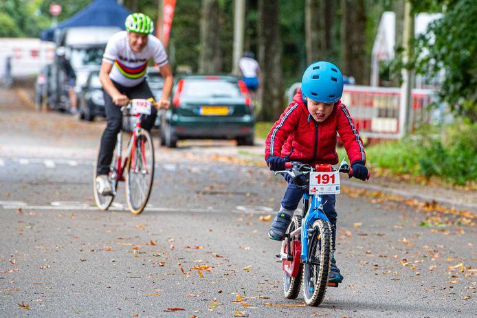De Col du Strop is een wielerwedstrijd voor jong én oud.