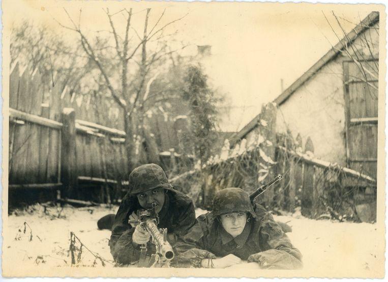 Rudi Massart: 'De Duitsers gingen ervan uit dat de oorlog tegen de winter voorbij zou zijn. Aan winteruitrusting was niet gedacht.' Beeld Rudi Massart
